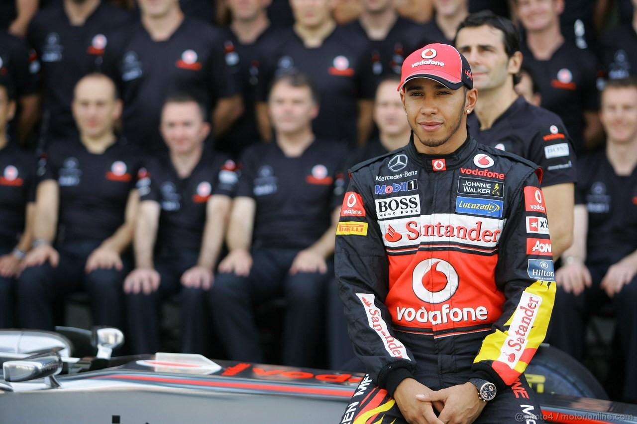 GP BRASILE, 26.11.2011- Team Picture, Lewis Hamilton (GBR), McLaren Mercedes, MP4-26