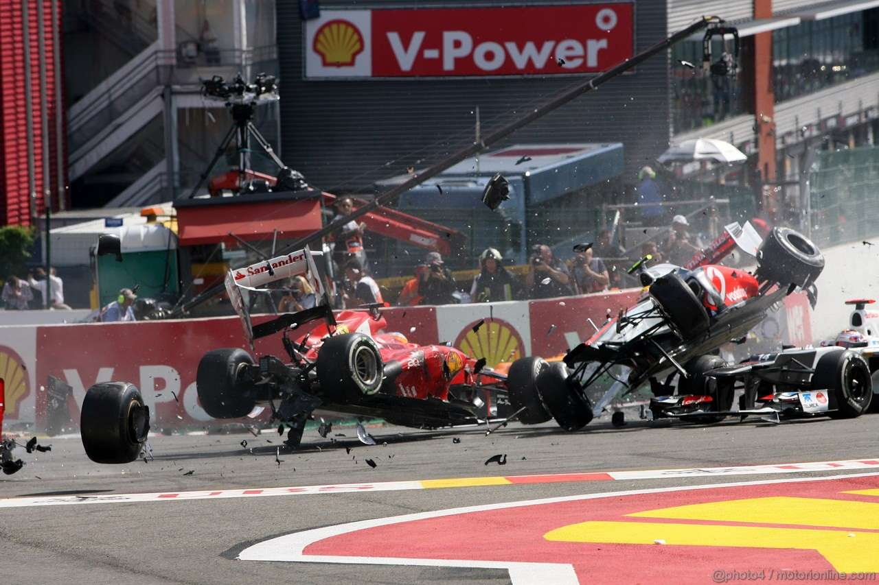 download formula 1 crashes - photo #9