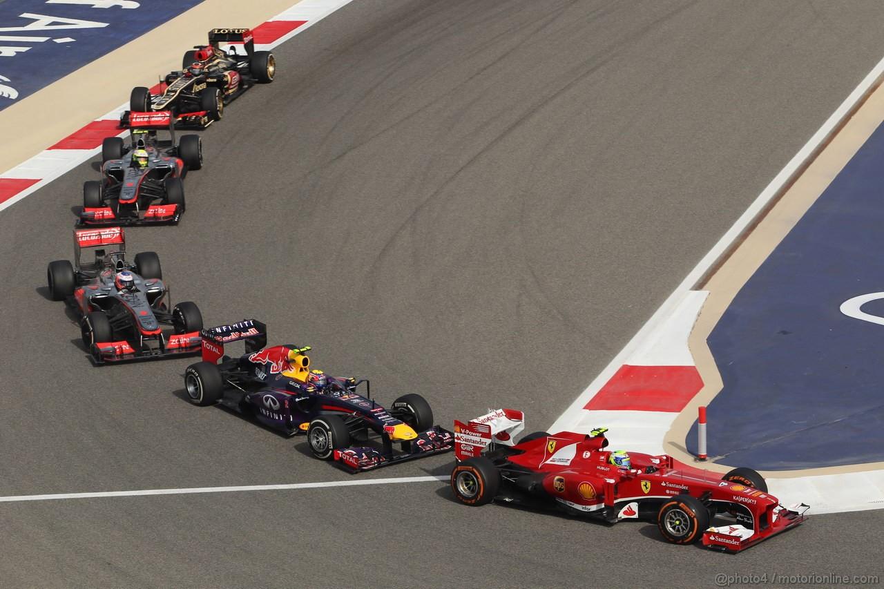 GP BAHRAIN, 21.04.2013- Gara, Felipe Massa (BRA) Ferrari F138 davanti a Mark Webber (AUS)