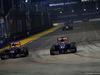 GP SINGAPORE, 21.09.2014 - Gara, Daniil Kvyat (RUS) Scuderia Toro Rosso STR9 e Jean-Eric Vergne (FRA) Scuderia Toro Rosso STR9