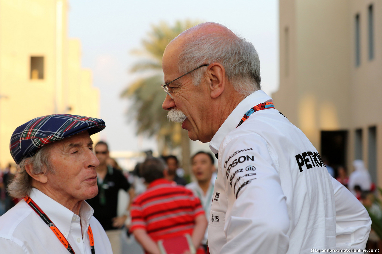 GP ABU DHABI, 28.11.2015 - Sir Jackie Stewart (GBR) e Dr. Dieter Zetsche, Chairman of Daimler