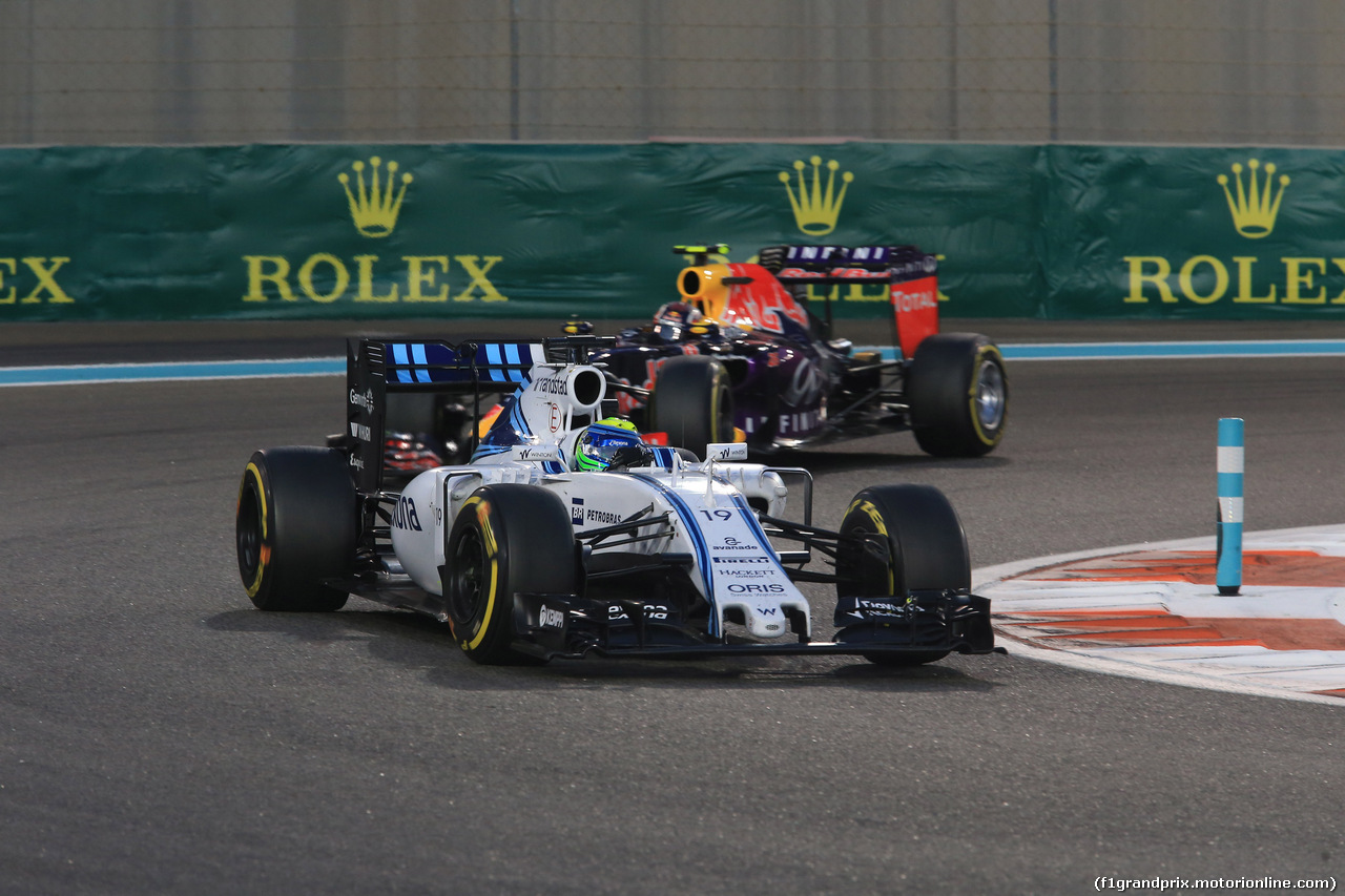 GP ABU DHABI, 29.11.2015 - Gara, Felipe Massa (BRA) Williams F1 Team FW37 davanti a Daniil Kvyat (RUS) Red Bull Racing RB11