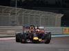 GP ABU DHABI, 29.11.2015 - Gara, Daniel Ricciardo (AUS) Red Bull Racing RB11 e Sebastian Vettel (GER) Ferrari SF15-T