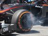 GP SPAGNA, 10.05.2015- Gara, Fernando Alonso (ESP) McLaren Honda MP4-30 brake problem during pit stop