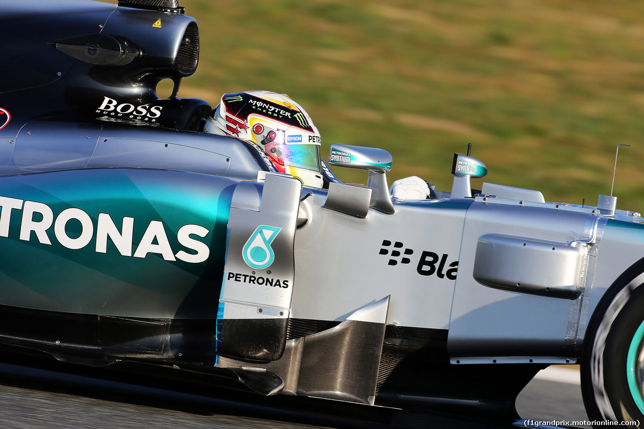 Mercedes f1 w08 images 9