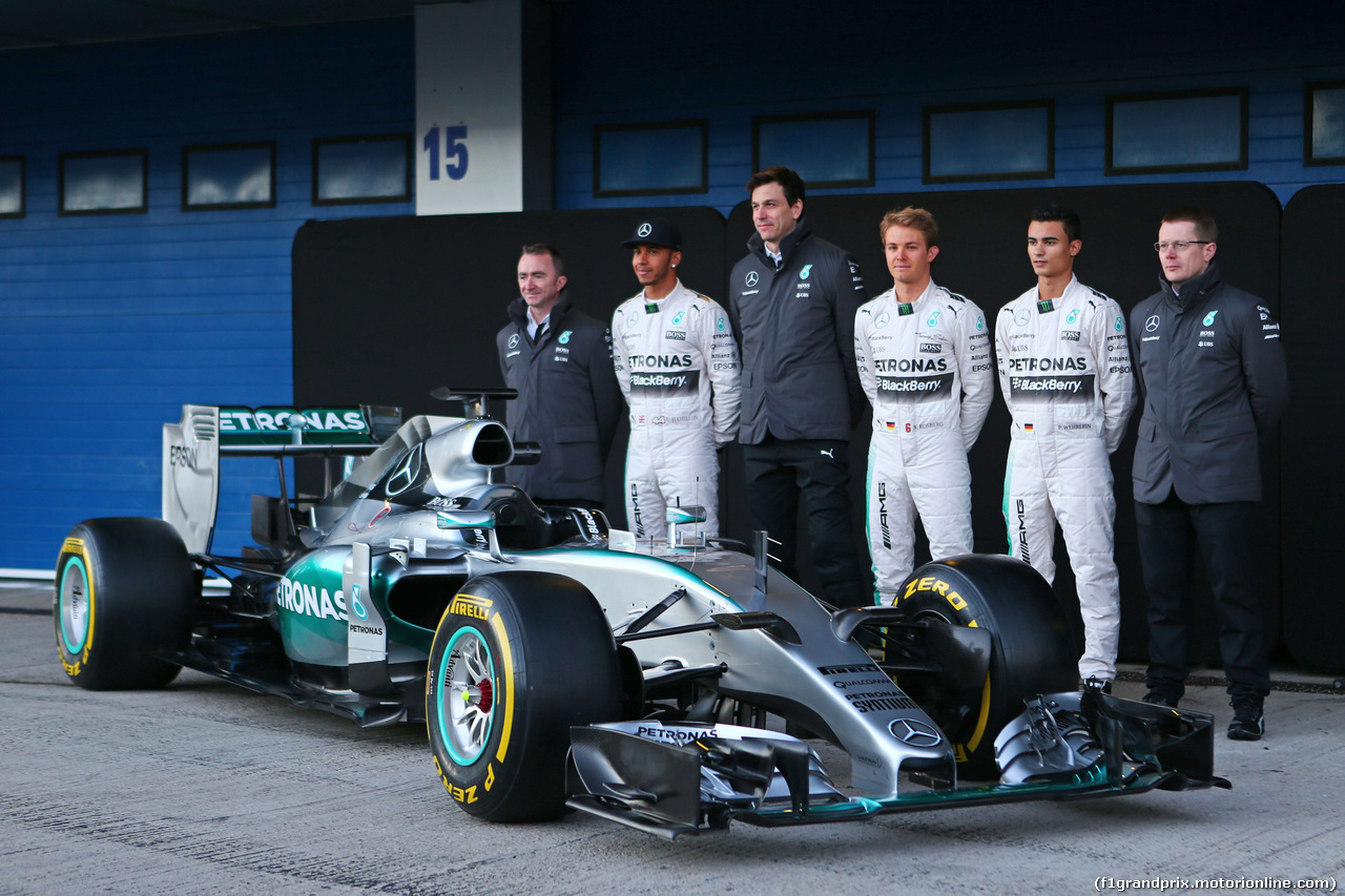 TEST F1 JEREZ 1 FEBBRAIO, The Mercedes AMG F1 W06 is unveiled (L to R): Paddy Lowe (GBR) Mercedes AMG F1 Executive Director (Technical); Lewis Hamilton (GBR) Mercedes AMG F1; Toto Wolff (GER) Mercedes AMG F1 Shareholder e Executive Director; Nico Rosberg (GER) Mercedes AMG F1; Pascal Wehrlein (GER) Mercedes AMG F1 Reserve Driver; Andy Cowell (GBR) Mercedes-Benz High Performance Powertrains Managing Director. 01.02.2015.