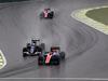 GP BRASILE, 13.11.2016 - Gara, Pascal Wehrlein (GER) Manor Racing MRT05 e Marcus Ericsson (SUE) Sauber C34 lead Esteban Ocon (FRA) Manor Racing MRT05