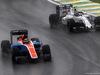 GP BRASILE, 13.11.2016 - Gara, Pascal Wehrlein (GER) Manor Racing MRT05 e Valtteri Bottas (FIN) Williams FW38