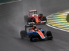 GP BRASILE, 13.11.2016 - Gara, Pascal Wehrlein (GER) Manor Racing MRT05 e Sebastian Vettel (GER) Ferrari SF16-H