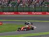 GP GIAPPONE, 09.10.2016 - Gara, Kimi Raikkonen (FIN) Ferrari SF16-H davanti a Lewis Hamilton (GBR) Mercedes AMG F1 W07 Hybrid
