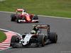 GP GIAPPONE, 09.10.2016 - Gara, Sergio Perez (MEX) Sahara Force India F1 VJM09 davanti a Sebastian Vettel (GER) Ferrari SF16-H