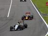 GP GIAPPONE, 09.10.2016 - Gara, Sergio Perez (MEX) Sahara Force India F1 VJM09 e Daniel Ricciardo (AUS) Red Bull Racing RB12