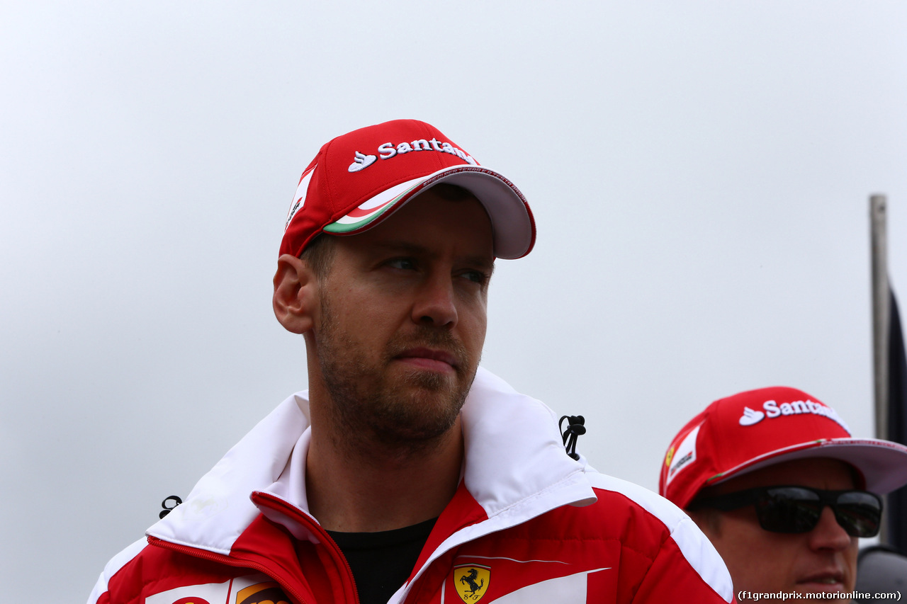 GP GRAN BRETAGNA, 10.07.2016 - Sebastian Vettel (GER) Ferrari SF16-H e Kimi Raikkonen (FIN) Ferrari SF16-H