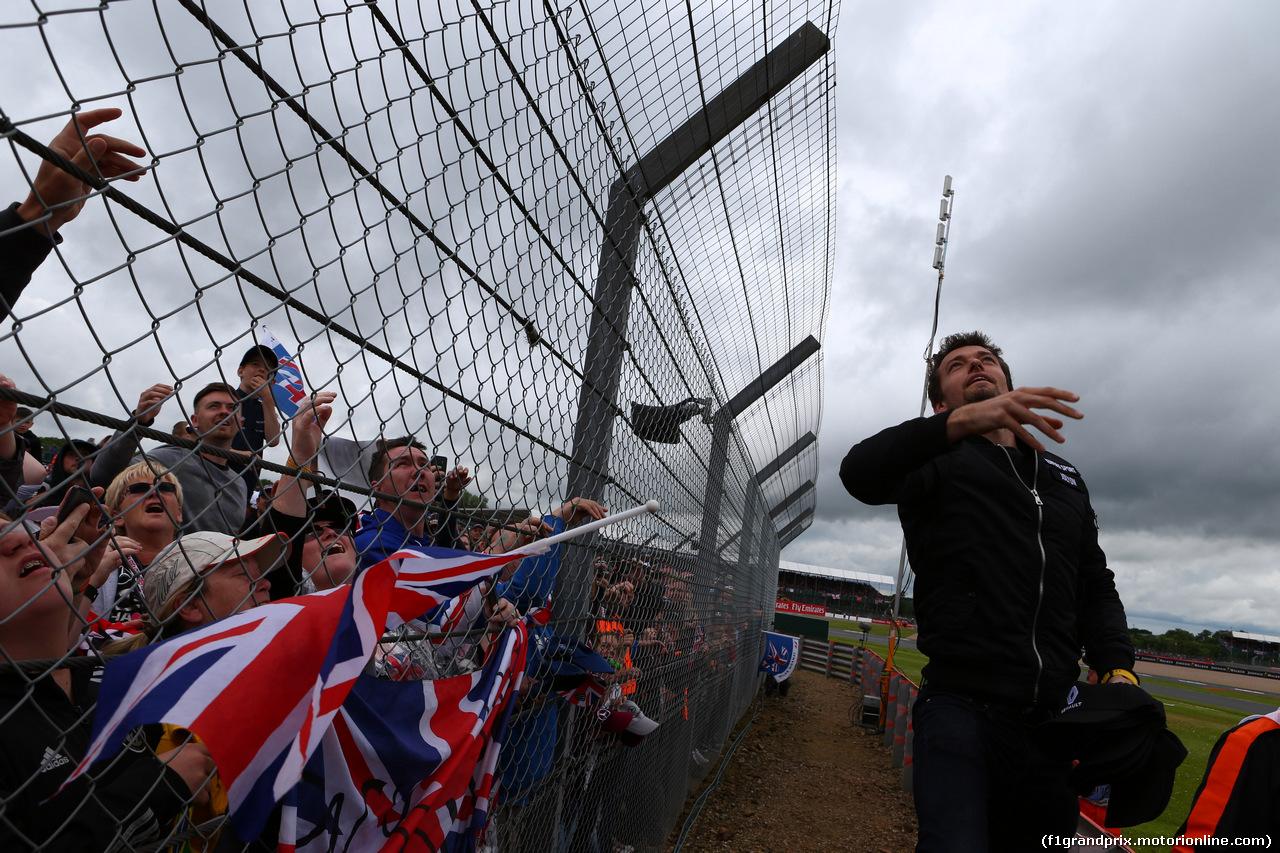 GP GRAN BRETAGNA, 10.07.2016 - Jolyon Palmer (GBR) Renault Sport F1 Team RS16