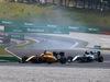 GP MALESIA, 02.10.2016 - Gara, Kevin Magnussen (DEN) Renault Sport F1 Team RS16 e Nico Rosberg (GER) Mercedes AMG F1 W07 Hybrid