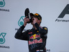 GP MALESIA, 02.10.2016 - Gara, secondo Max Verstappen (NED) Red Bull Racing RB12 drinks champagne with the shoe with Daniel Ricciardo (AUS) Red Bull Racing RB12
