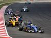GP MALESIA, 02.10.2016 - Gara, Marcus Ericsson (SUE) Sauber C34 davanti a Jolyon Palmer (GBR) Renault Sport F1 Team RS16