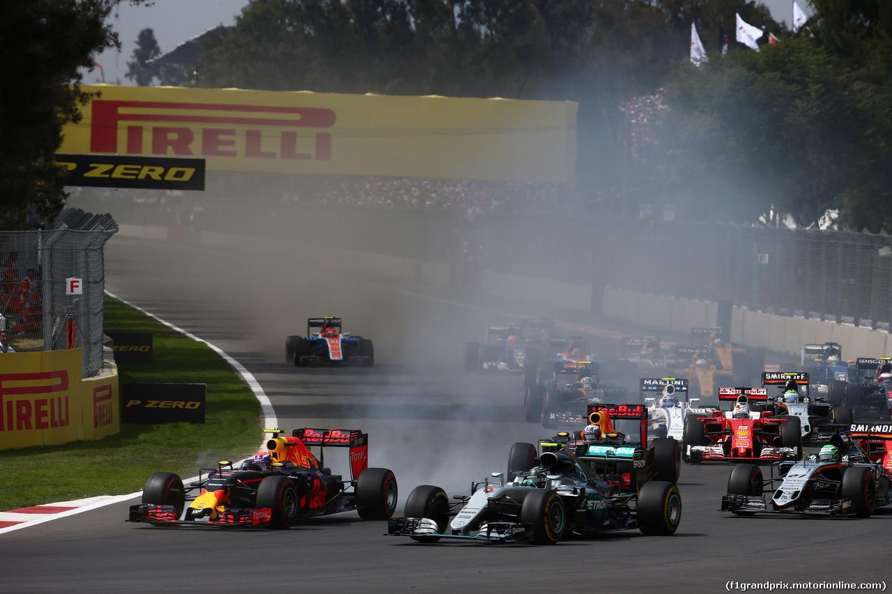 MEXICO GP, 30/10/2016 - Comienzo de la raza de la carrera, Max Verstappen (NED) Red Bull RB12 abd Nico Rosberg (GER) Mercedes AMG F1 W07 híbrido