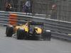 GP MONACO, 29.05.2016 - Gara, Kevin Magnussen (DEN) Renault Sport F1 Team RS16 with a puncture