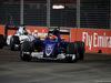 GP SINGAPORE, 18.09.2016 - Gara, Felipe Nasr (BRA) Sauber C34 davanti a Felipe Massa (BRA) Williams FW38