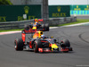 GP UNGHERIA, 24.07.2016 - Gara, Daniel Ricciardo (AUS) Red Bull Racing RB12 davanti a Max Verstappen (NED) Red Bull Racing RB12