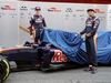 TEST F1 BARCELLONA 1 MARZO, (L to R): Max Verstappen (NLD) Scuderia Toro Rosso e Carlos Sainz Jr (ESP) Scuderia Toro Rosso unveil the livery for the Scuderia Toro Rosso STR11. 01.03.2016.