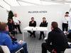 TEST F1 BARCELLONA 4 MARZO, (L to R): Eric Boullier (FRA) McLaren Racing Director with Yusuke Hasegawa (JPN) Head of Honda F1 Programme. 04.03.2016.