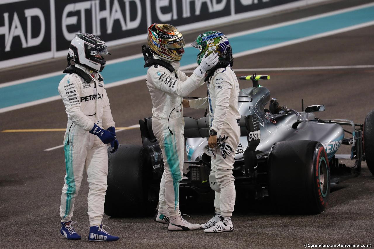 GP ABU DHABI, 26.11.2017 - Gara, Valtteri Bottas (FIN) Mercedes AMG F1 W08 vincitore, 2nd place Lewis Hamilton (GBR) Mercedes AMG F1 W08 e Felipe Massa (BRA) Williams FW40