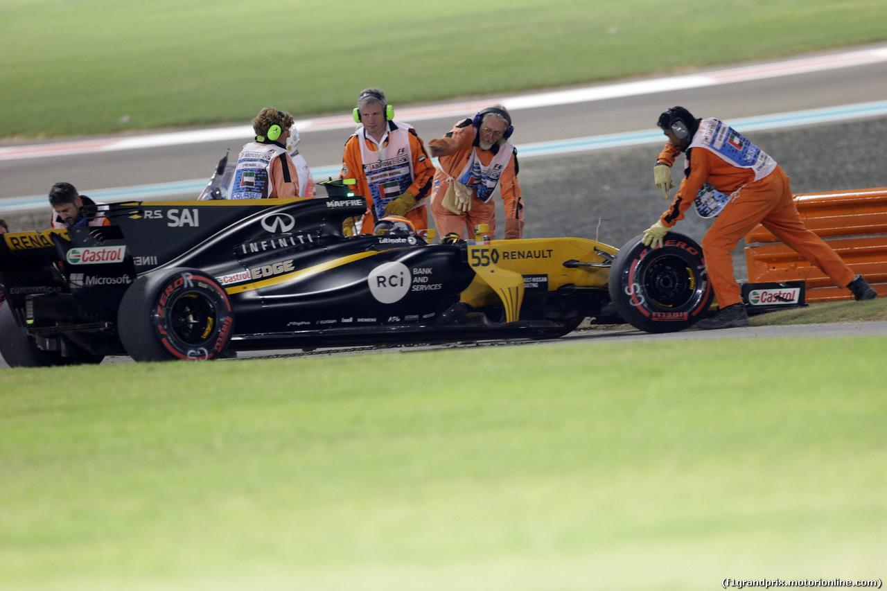 GP ABU DHABI, 26.11.2017 - Gara, Carlos Sainz Jr (ESP) Renault Sport F1 Team RS17 retires from the race
