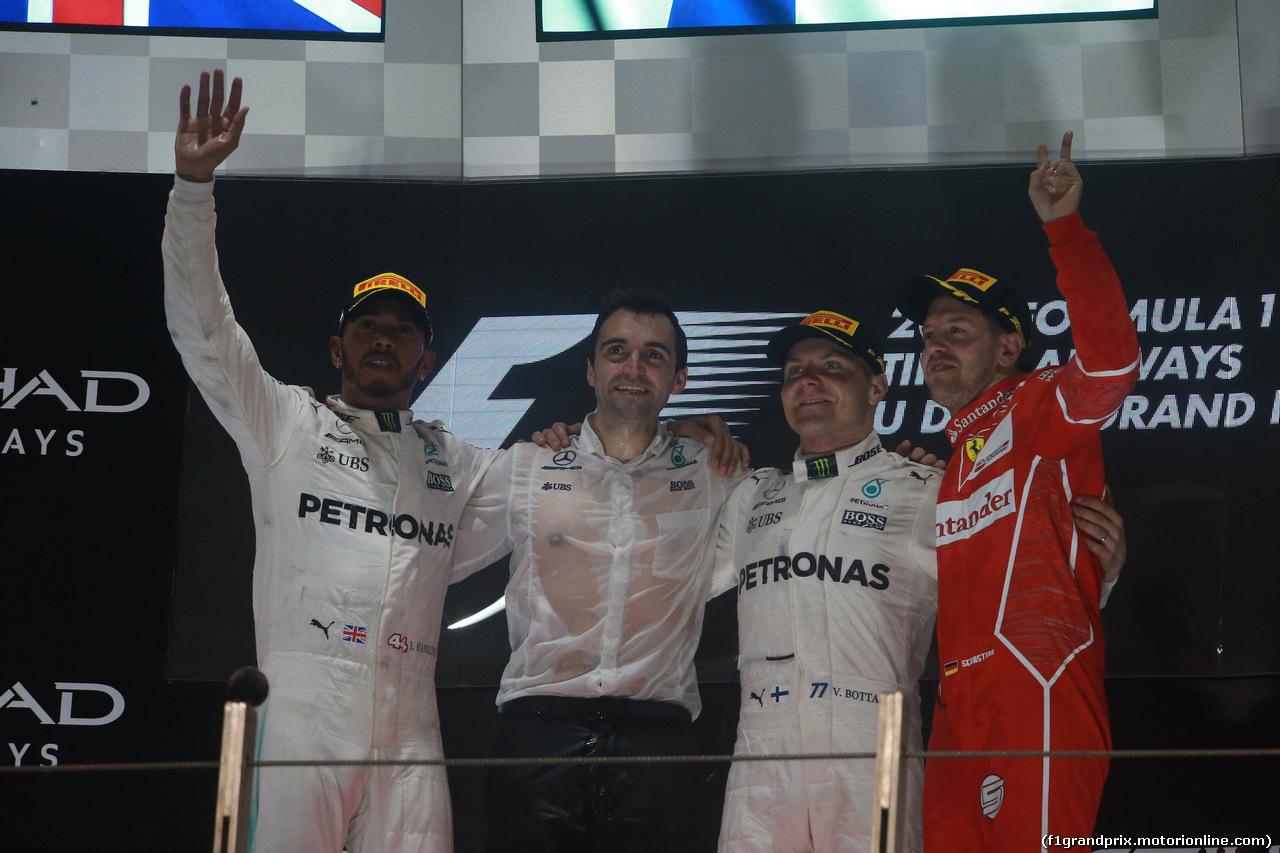 GP ABU DHABI, 26.11.2017 - Gara, 1st place Valtteri Bottas (FIN) Mercedes AMG F1 W08, 2nd place Lewis Hamilton (GBR) Mercedes AMG F1 W08 e 3rd place Sebastian Vettel (GER) Ferrari SF70H