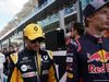 GP ABU DHABI, 26.11.2017 - Carlos Sainz Jr (ESP) Renault Sport F1 Team RS17 e Brendon Hartley (NZL) Scuderia Toro Rosso STR12