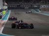 GP ABU DHABI, 26.11.2017 - Gara, Brendon Hartley (NZL) Scuderia Toro Rosso STR12 davanti a Pierre Gasly (FRA) Scuderia Toro Rosso STR12