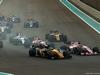 GP ABU DHABI, 26.11.2017 - Gara, Nico Hulkenberg (GER) Renault Sport F1 Team RS17 e Sergio Perez (MEX) Sahara Force India F1 VJM010