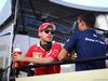 GP BAHRAIN, 16.04.2017 - Sebastian Vettel (GER) Ferrari SF70H e Pascal Wehrlein (GER) Sauber C36