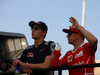 GP BAHRAIN, 16.04.2017 - Daniil Kvyat (RUS) Scuderia Toro Rosso STR12 e Kimi Raikkonen (FIN) Ferrari SF70H