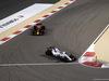 GP BAHRAIN, 16.04.2017 - Gara, Daniel Ricciardo (AUS) Red Bull Racing RB13 e Felipe Massa (BRA) Williams FW40