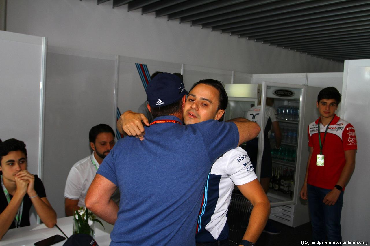 GP BRASILE, 12.11.2017 - Rubens Barrichello (BRA) e Felipe Massa (BRA) Williams FW40