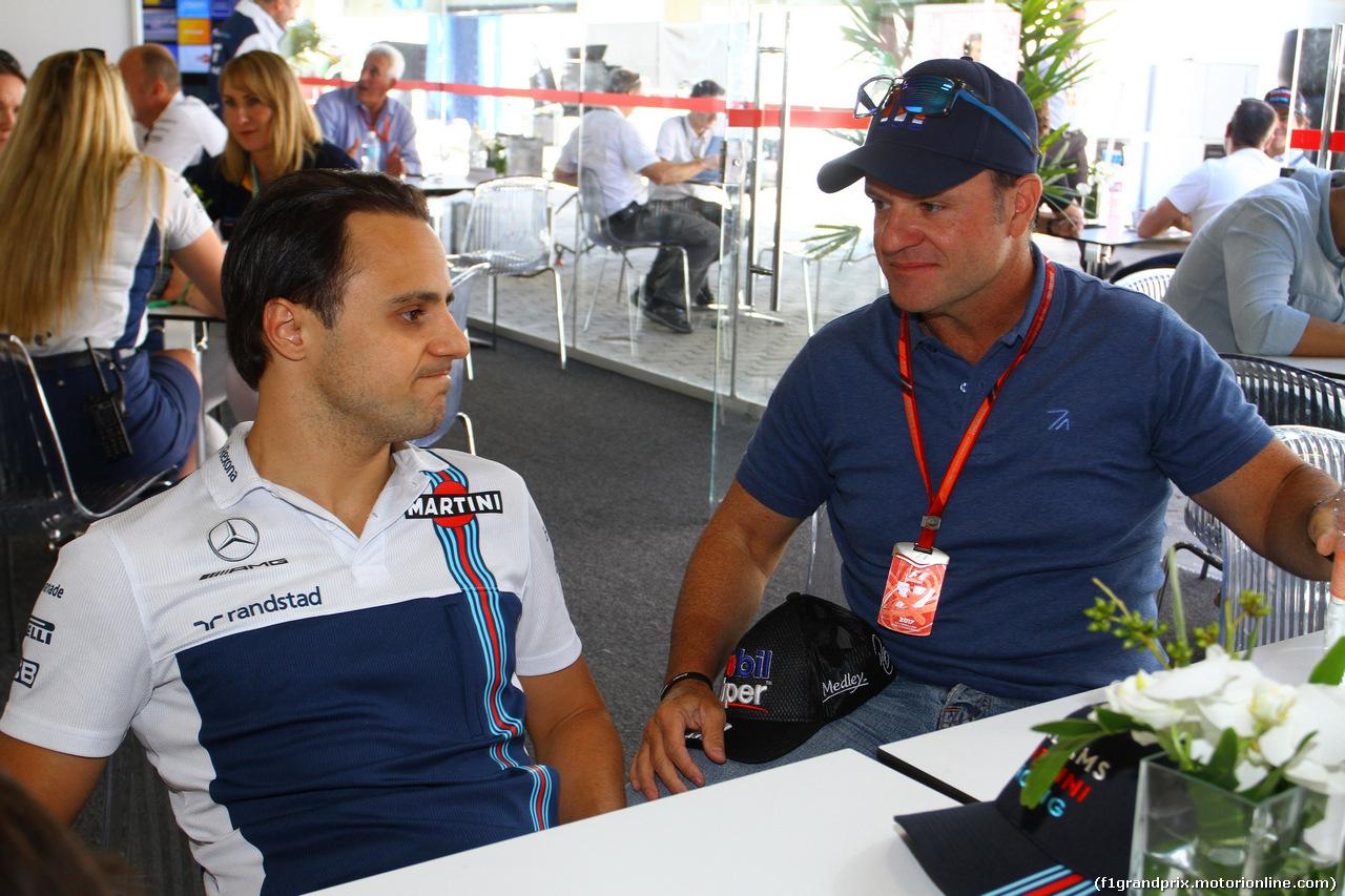 GP BRASILE, 12.11.2017 - Felipe Massa (BRA) Williams FW40 e Rubens Barrichello (BRA)