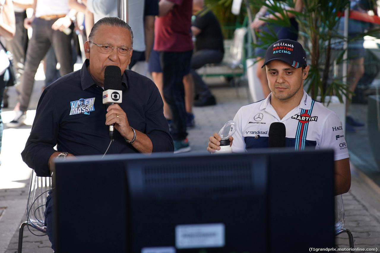 GP BRASILE, 12.11.2017 - Galvao Bueno (BRA) TV Globo e Felipe Massa (BRA) Williams FW40