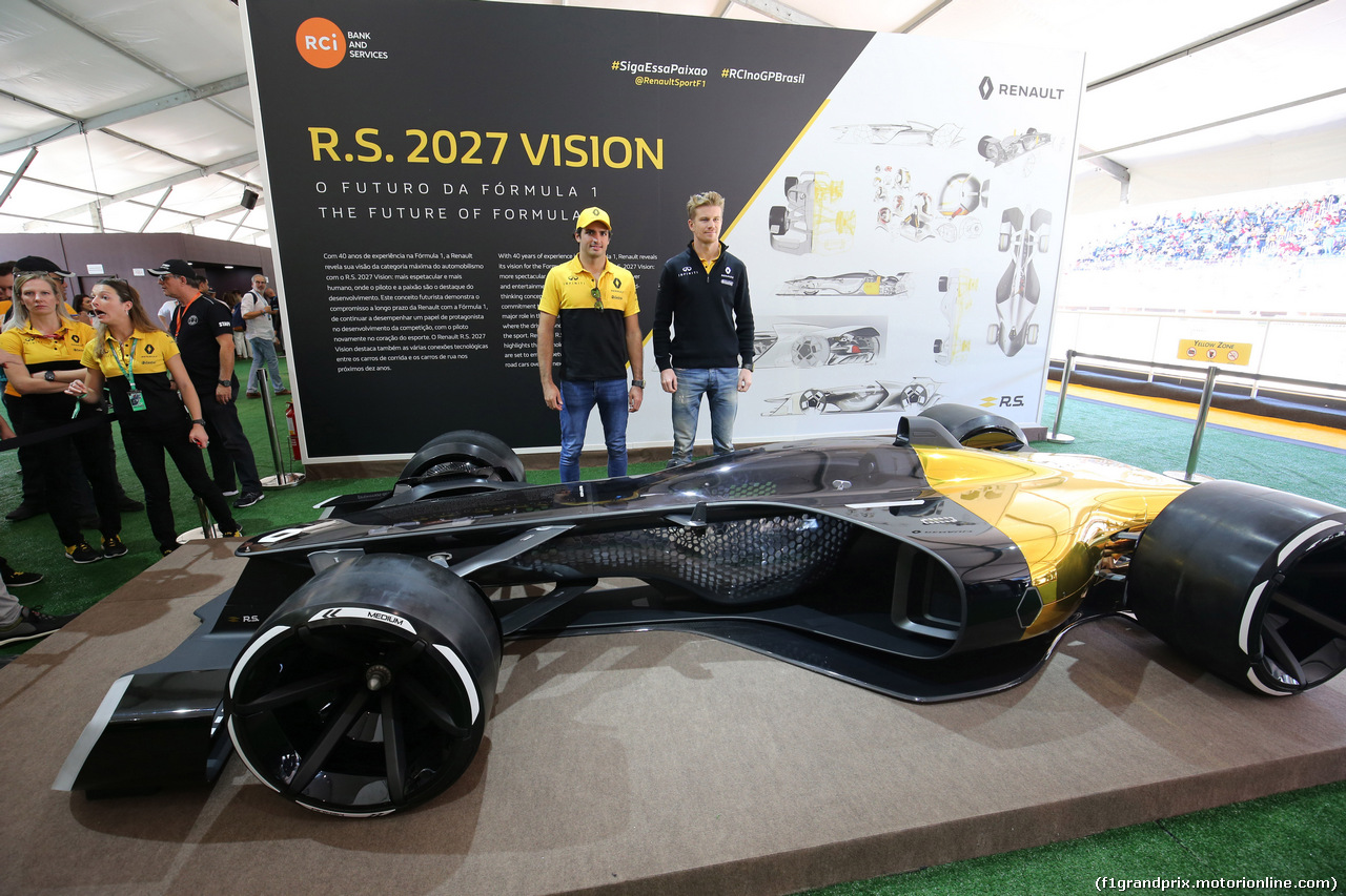 GP BRASILE, 12.11.2017 - Carlos Sainz Jr (ESP) Renault Sport F1 Team RS17 e Nico Hulkenberg (GER) Renault Sport F1 Team RS17