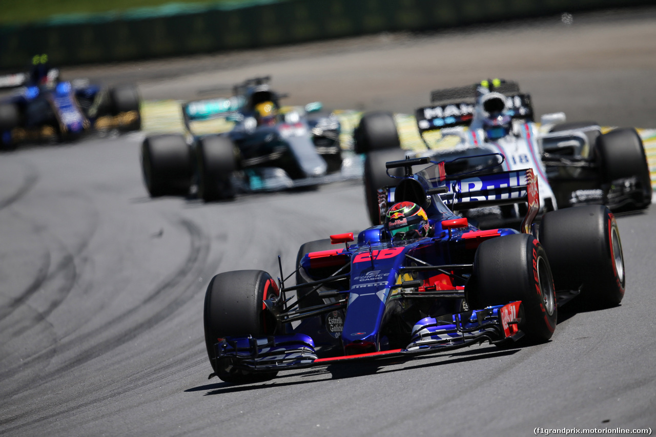GP BRASILE, 12.11.2017 - Gara, Brendon Hartley (NZL) Scuderia Toro Rosso STR12