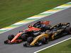 GP BRASILE, 11.11.2017 - Qualifiche, Stoffel Vandoorne (BEL) McLaren MCL32 e Carlos Sainz Jr (ESP) Renault Sport F1 Team RS17