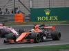 GP CINA, 09.04.2017 - Gara, Fernando Alonso (ESP) McLaren MCL32 e Sergio Perez (MEX) Sahara Force India F1 VJM010