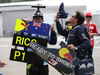 GP GIAPPONE, 07.10.2017- Daniel Ricciardo (AUS) Red Bull Racing RB13 fans