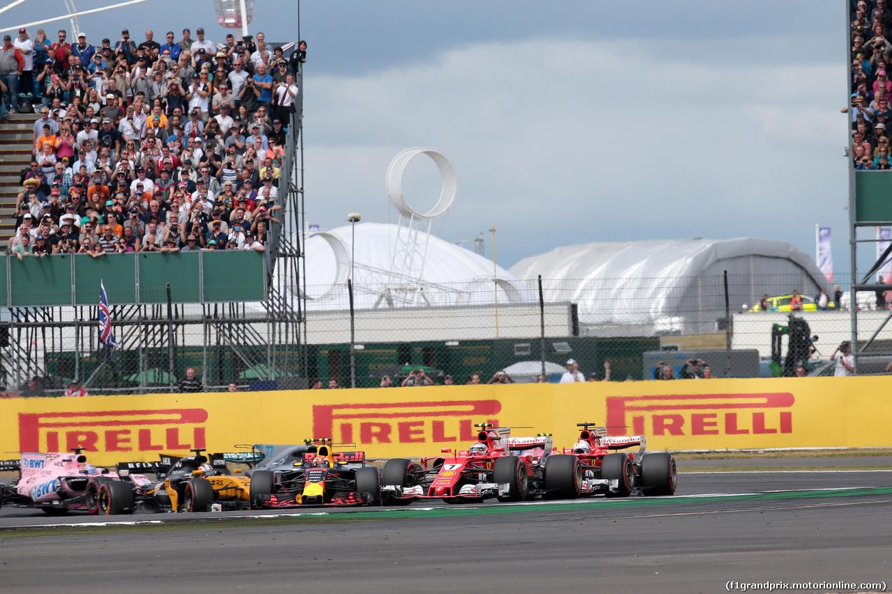 GP GRAN BRETAGNA, 16.07.2017 - Gara, Start of the race, Max Verstappen (NED) Red Bull Racing RB13, Sebastian Vettel (GER) Ferrari SF70H e Kimi Raikkonen (FIN) Ferrari SF70H