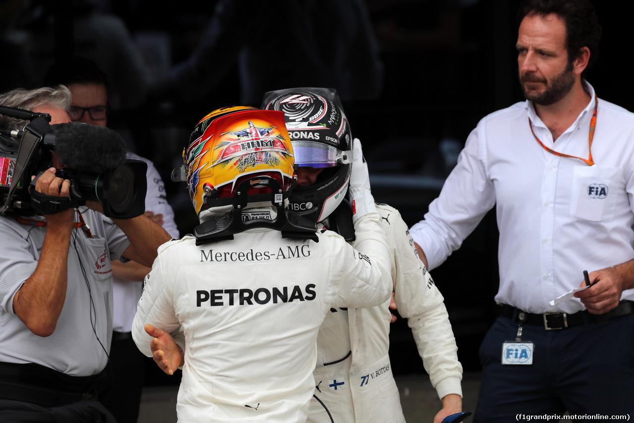 GP GRAN BRETAGNA, 16.07.2017 - Gara, Lewis Hamilton (GBR) Mercedes AMG F1 W08 vincitore e 2nd place Valtteri Bottas (FIN) Mercedes AMG F1 W08