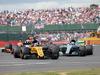 GP GRAN BRETAGNA, 16.07.2017 - Gara, Nico Hulkenberg (GER) Renault Sport F1 Team RS17 e Valtteri Bottas (FIN) Mercedes AMG F1 W08