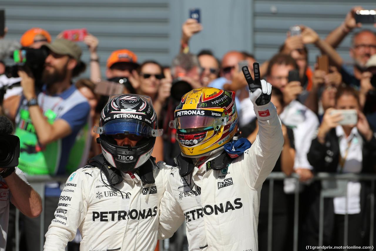 GP ITALIA, 03.09.2017- Festeggiamenti in parc fermee, Lewis Hamilton (GBR) Mercedes AMG F1 W08 e Valtteri Bottas (FIN) Mercedes AMG F1 W08