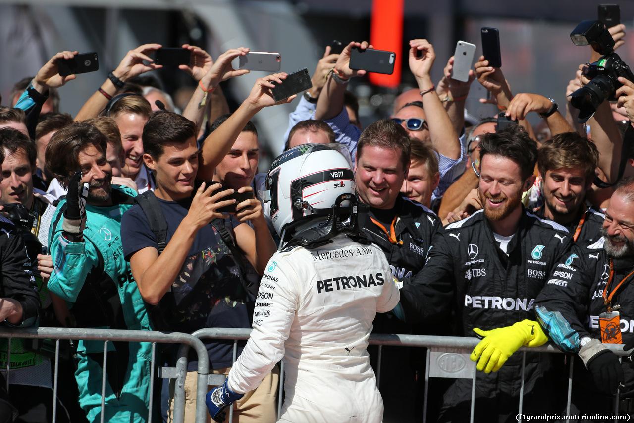 GP ITALIA, 03.09.2017- Festeggiamenti in parc fermee, Valtteri Bottas (FIN) Mercedes AMG F1 W08