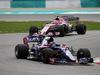 GP MALESIA, 01.10.2017 - Gara, Carlos Sainz Jr (ESP) Scuderia Toro Rosso STR12 davanti a Esteban Ocon (FRA) Sahara Force India F1 VJM10